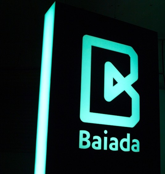 baiada-head-office-illuminated-pylon-sign