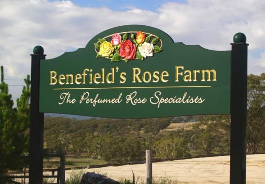 Benefields Rose Farm Rural Business Sign