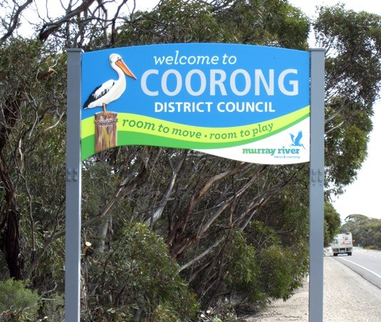 coorong-dc-highway-signs