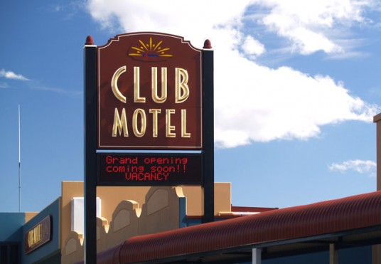 Inverell Club Motel Main Sign