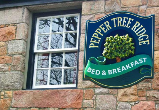 pepper_tree_ridge_B&B_entry_sign