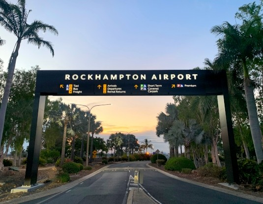 gantry-sign-for-airport-with-digital-advertising-display