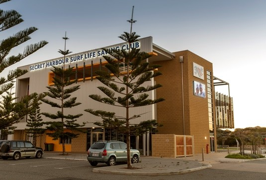 led-sign-on-surf-club-perth-wa