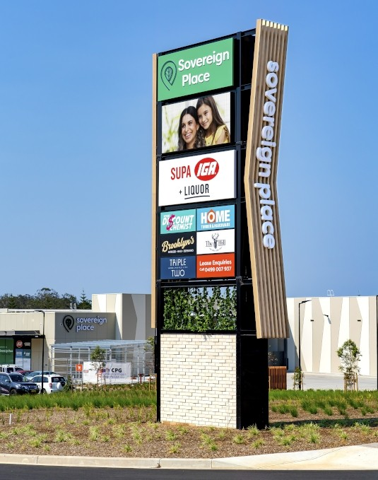 light-box-shopping-centre-identification-pylon-sign-port-macquarie
