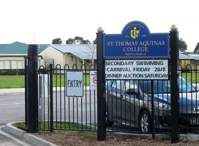 St Thomas Aquinas College Tynong entry signs