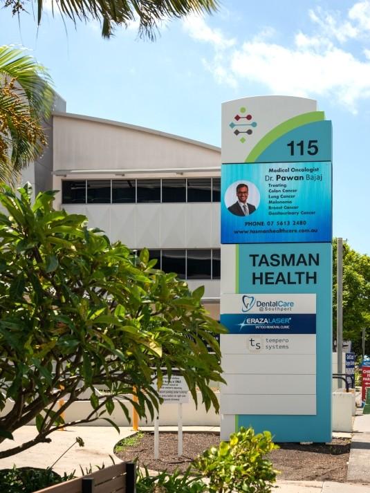 led-advertising-signage-pylon-southport-australia