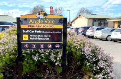 school-car-park-regulatory-signage