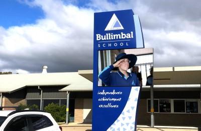 digital-pylon-signage-for-tamworth-school