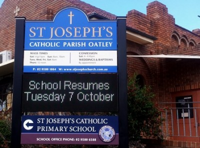 LED_sign_for_a_church_and_School_in_Oatley