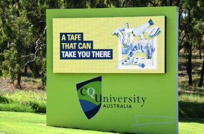 electronic-billboard-advertising-sign-central-queensland-university