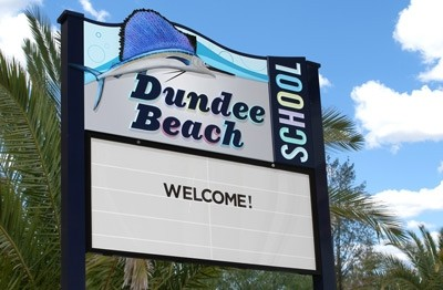 dundee-beach-school-message-board-sign