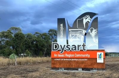 dysart-town-entrance-fabricated-metal-monument-sign