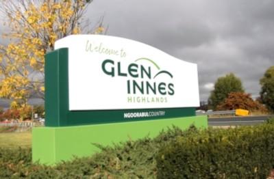 rebrand-of-glen-innes-highlands-tourism-signage