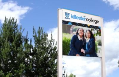 changeable-outdoor-school-notice-board-sign