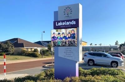 lakelands-primary-school-electronic-billboard-sign