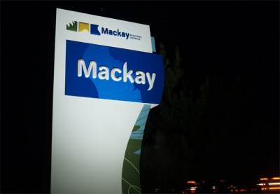 night-detail of the entry monument for the Mackay Local Government Sign System