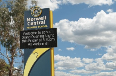 led-school-sign-for-new-school-in-morwell-victoria