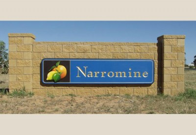 Narromine Monument Local Government Sign System