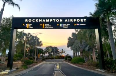 rockhampton-airport-illuminated-electronic-message-board-gantry-sign