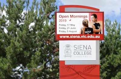 siena-college-led-pylon-sign-melbourne