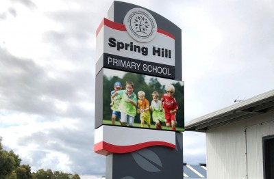 led-sign-for-a-perth-school