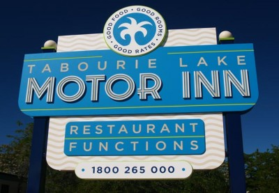 Tabourie Lake Motel Sign
