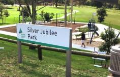 sydney-park-signs