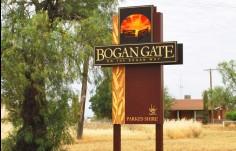 custom-designed-town-signage-australia