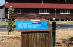 gooloogong-log-cabin-interpretive-sign-pylon