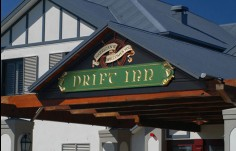 Harrigans_Drift_Inn_gable_Building_sign