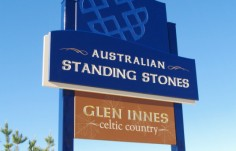 australian-standing-stones-tourism-signage