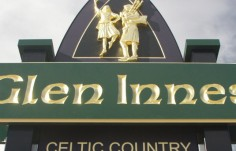 carved-celtic-style-tourism-sign-australia