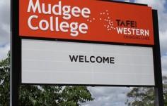 mudgee_college_messageboard_sign