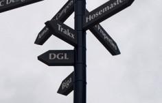 Northside_Industrial_Park_wayfinding_street_pole_sign