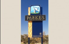parkes-town-entrance-signs