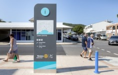 council-tourism-city-centre-directional-sign-with-map-and-digital-display