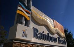 Rainbow Beach Entry Monument