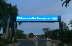 airport-entry-gantry-sign-with-led-billboard-advertising-display