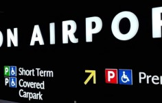 illuminated-way-finding-signage-airport-gantry