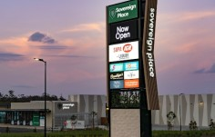 illuminated-light-box-pylon-sign-with-outdoor-electronic-advertising-billboard-australia