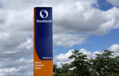 major-stockland-site-identification-pylon-sign-melbourne