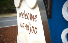 city-entry-sign-with-timber-stainless-steel-retro-reflective-lettering